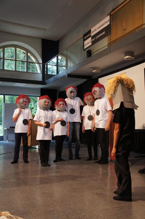 Theatergruppe auf der Auftaktveranstaltung