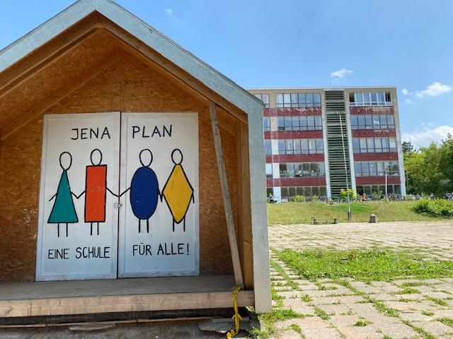 Staatliche Gemeinschaftsschule Jenaplanschule in Weimar an der Hart wird renoviert und zieht ins Ausweichquartier